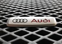 Металлический шильдик Audi