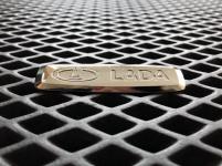 Металлический шильдик Lada