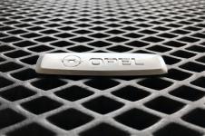 Металлический шильдик Opel