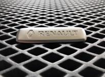 Металлический шильдик Renault
